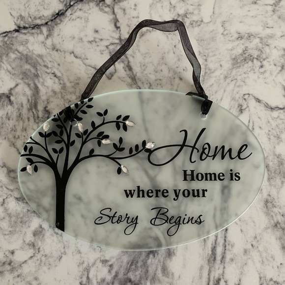 💥4/$25💥 Glass Home sign